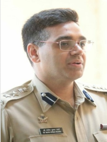 12th Fail, Slept on road alongside Beggars but still clears IPS, Meet Mr Manoj Kumar Sharma