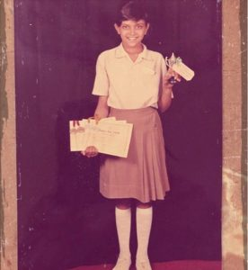 9 Unseen Pics of Cutest Bollywood Celebs in School uniforms