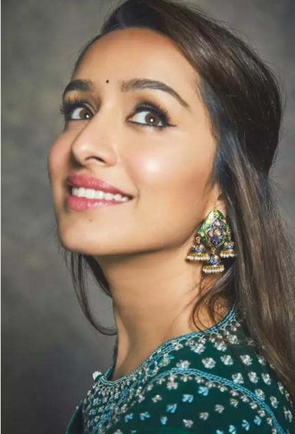 Shocking Board exam results of popular Bollywood stars, read details